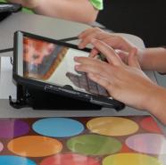 Student uses iPad